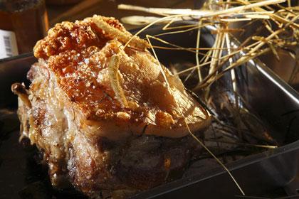 Hökokt fläsk med rosmarin och lagerblad