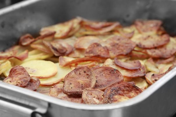 Pommes de terre boulangère ~ Bagarens potatisgratäng