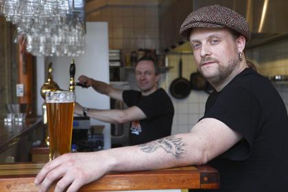 Lars Landeman en av grundarna med Mattias Hammenlind, bryggmästare på Sigtuna Brygghus