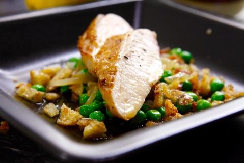 Recept - Kyckling i sötsyrlig citronmarinad och gröna ärtor
