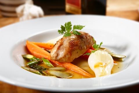 Recept Smörstekt vårkyckling med primörer