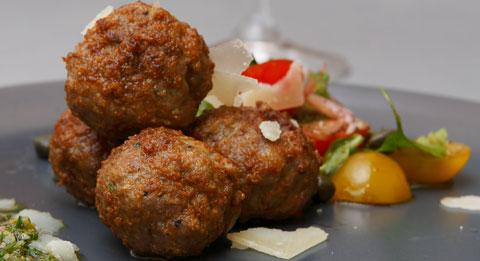 Köttbullar -smakrika variationer på den svenska klassikern